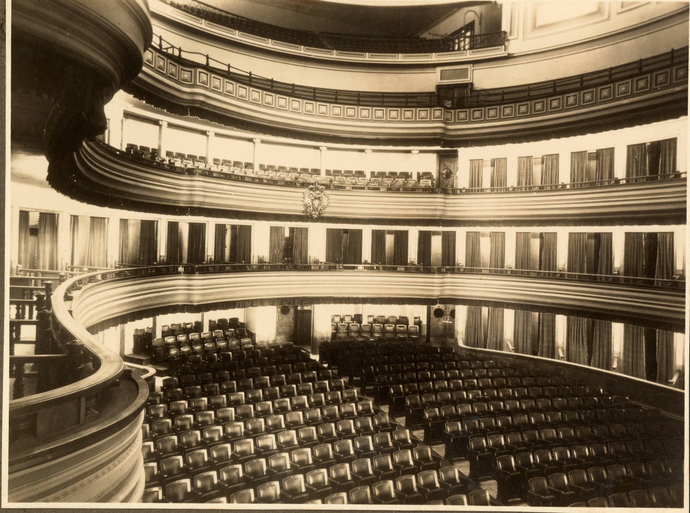 Teatro español siglos XV-XIX en la BVPB >Patio de butacas del Teatro Pérez Galdós (1925-1930)
